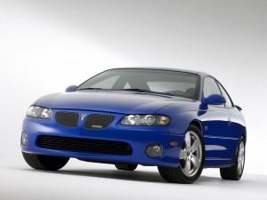 Pontiac_GTO_Sports_Car_2004-300x225